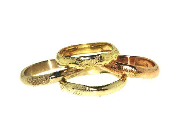 Fedi con la vostra impronta digitale uniche, in oro giallo/bianco/rosso. Irregular Wedding rings with your fingerprint unique in yellow / white / red gold prezzo medio € 900 la coppia