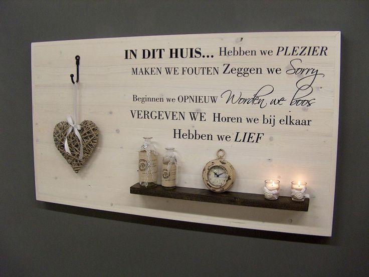 Wanddecoratiebord wit met muursticker IN DIT HUIS L135xH78cm voorraad artikel (24220141419)   Wanddecoratieborden   JORG`S Houten Meubelen