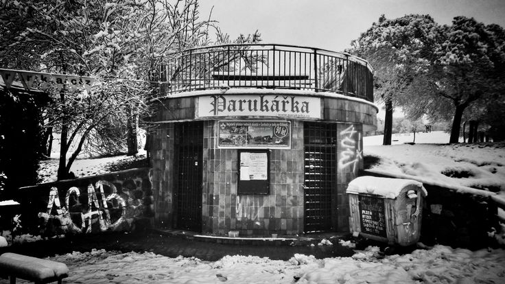 https://flic.kr/p/DLjR3s | Hospoda Parukářka, toalety | Praha, Prague