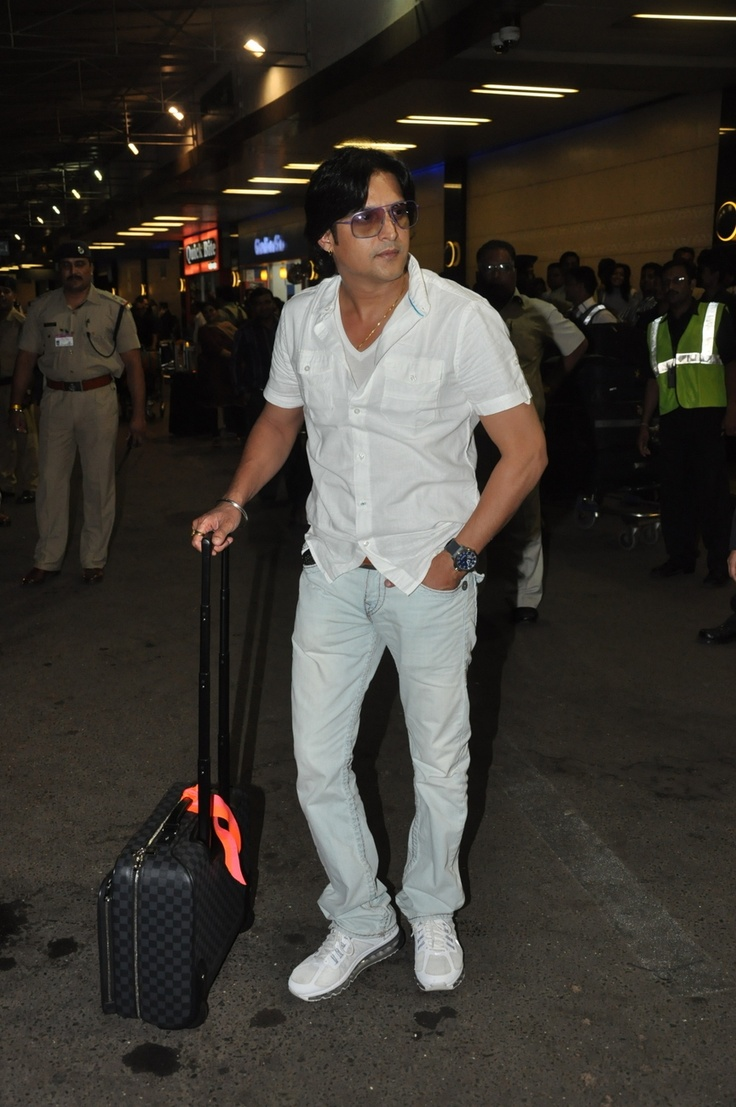 Jimmy Shergill Leaving for TOIFA Awards 2013