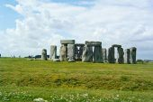Prehistoric monument discovered near Stonehenge:  Researchers using ground-penetrating radar locate up to 100 huge standing stones thought to be 4,500 years old (Toronto Star 07 September 2015)