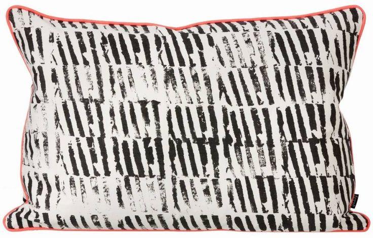 Ferm Living Sierkussen zwart/wit organisch katoen/canvas Worn Stripe 60x40cm