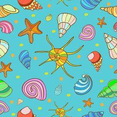 Бесшовный синий фон с изображением разноцветных ракушек и морских звезд с коричневым контуром.