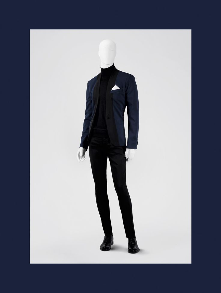 VERDI is our line of male mannequins where the classic meets simplicity. The mannequins from VERDI line have sculpted regular faces and sculpted timeless hair style. This, together with dynamic posture, makes the collection stand out. #MaleMannequin #menstyle