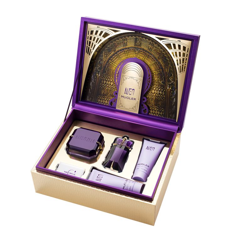 Alien Golden Treasure Gift Set - Enter into the extraordinary universe of ALIEN Eau de Parfum with this luxurious gift set. Structured around floral Jasmine and solar notes, ALIEN Eau de Parfum leaves benevolent energy in its sensual wake. This gift set contains a 2 fl oz Alien Eau de Parfum Refillable Spray, a 6.8 fl oz ALIEN Radiant Body Cream, a 3.4 fl oz ALIEN Radiant Body Lotion and a 3.4 fl oz ALIEN Radiant Shower Gel. Your new ALIEN must-have! Fragrance notes: sambac jasmine,...
