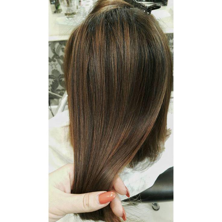 Очень редко попадаются брюнетки готовые быть с тёплым оттенком. Это невероятная красота. ... обожаю.  #colorcorrection #ombre #shatush #balayage #брондирование #шатуш #балаяж #омбре #киев #колорист  #парикмахер #бронд #hairstyle #haircolour #kiev #fashion #brown #красивыеволосы #волосы #блондин #русый #салон #парикмахеркиев  #колористкиев #салонкиев #салонкрасоты #салонкрасотыкиев #куафанс #coiffance