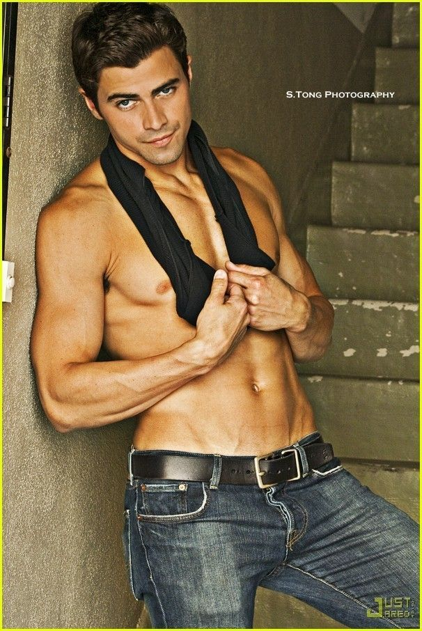 Matt freaking Cohen. Not fair. He likes nerds. He plays on Supernatural. AND he has a body that... Well, obviously you can see it. Ugh. Freakin' gorg.