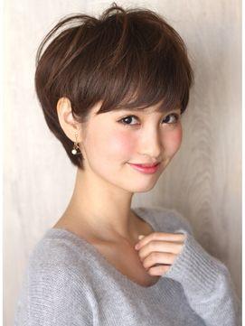 AFLOAT RUVUA 新宿 【アフロート ルヴア】 頭の形が綺麗に見える!トップふんわり小顔ショートヘアスタイル