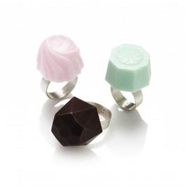by Mette Laier - ARTDISTRICT.dk       Mmm, we love chocolates!