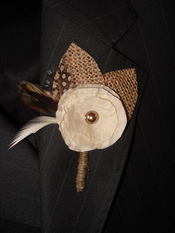 Hessian Boutonierre for the groomsmen