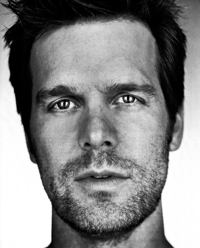 Peter Krause - Six Feet Under. Only the best tv show ever