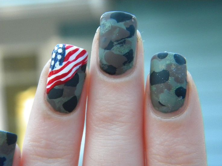 Camo manicure with USA flag accent nail Memorial | Veteran's Day Nail Designs #nailart