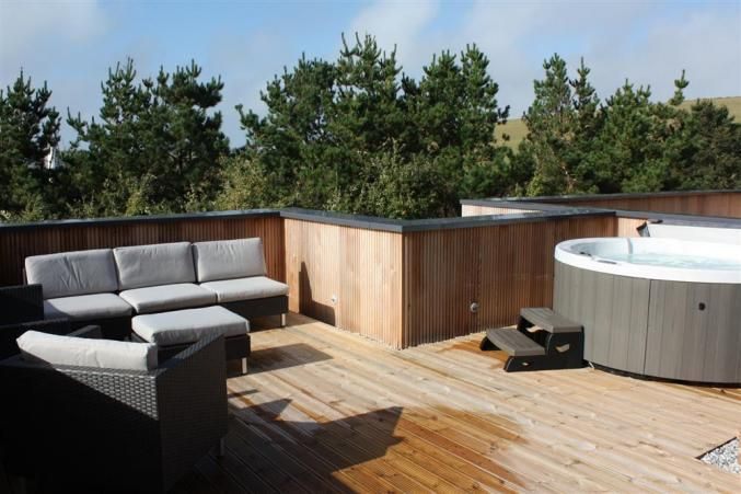 17 best images about roof terrace on pinterest decking for Terrace jacuzzi