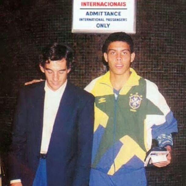 Ayrton e Ronaldo (Ayrton next to Brazilian ex-football player Ronaldo)