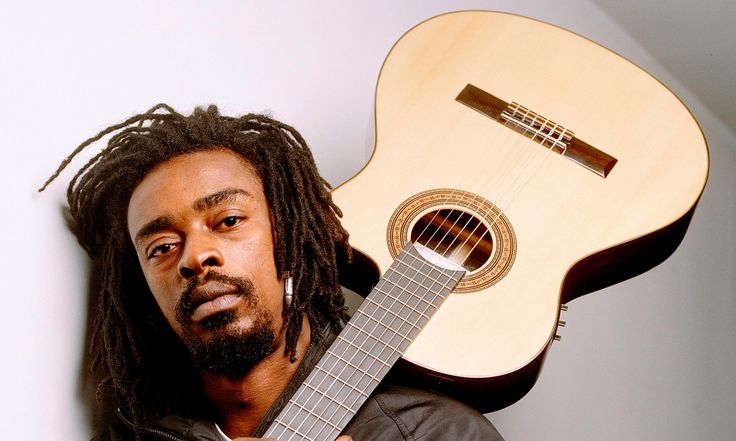 SPANISH SONGS: 6 Songs that will improve your Spanish and Portuguese.From Spanish raps about Chilean politics to Seu Jorge's smooth Portuguese… www.dialectcoaches.com