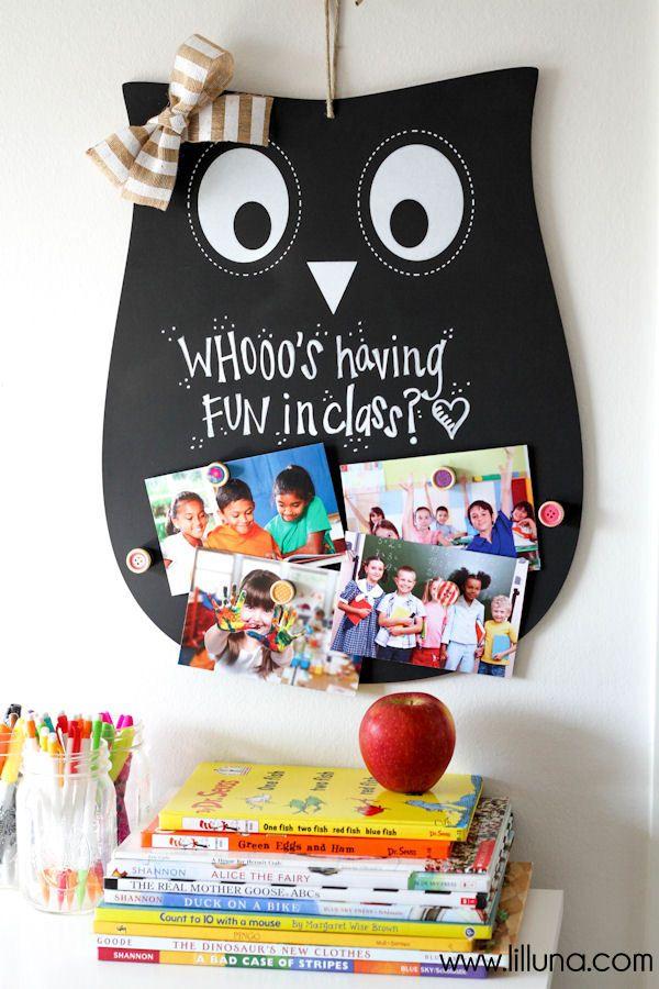 CUTE Owl Teacher Gift - a magnet and chalkboard sign on { lilluna.com }