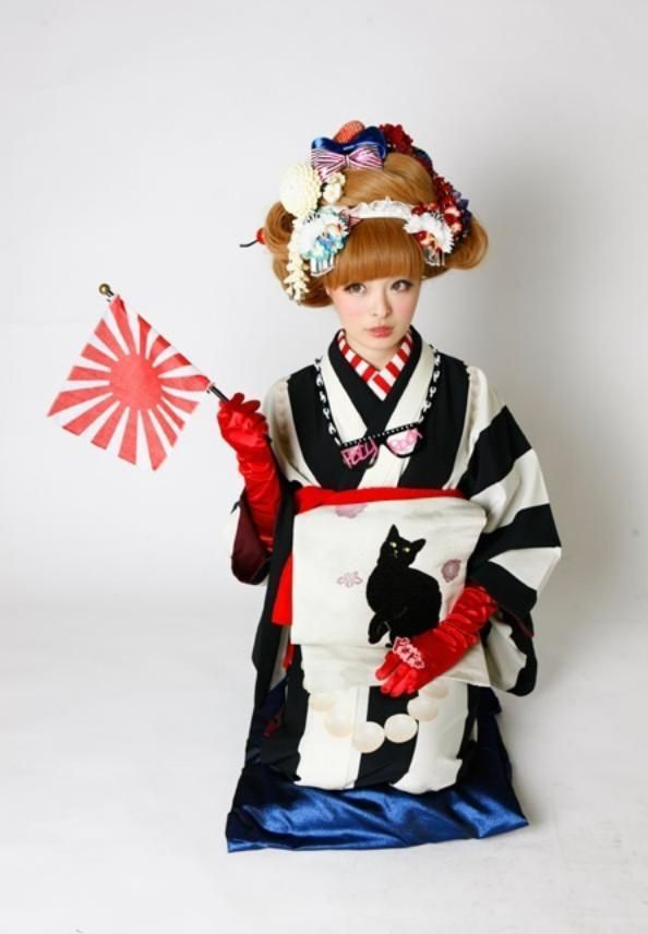 Kyary Pamyu Pamyu きゃりーぱみゅぱみゅ - a Japanese model, blogger and recording artist associated with the Harajuku district of Tokyo.