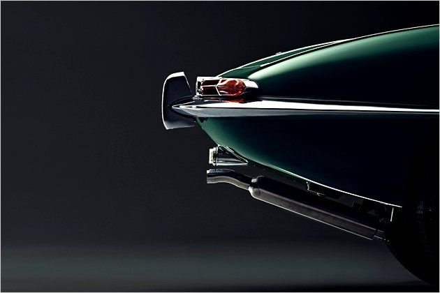 Auf dem Genfer Autosalon wurde E-Type 1961 vorgestellt. Eigentlich sollten nur 1000 Stück gefertigt werden, doch bis zum Produktionsende 1974 wurden es schließlich über 72.000 Coupés und Roadster