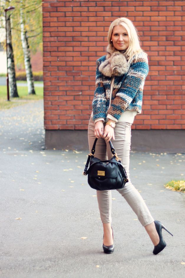 Blazer: LiLLE / fake fur: Stockholm / Pants: Zara / Knitting: Lindex / Shoes: Buffalo / Bag: Marc Jacobs