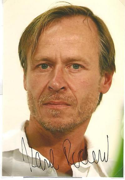 Karel Roden , international actor. Film: for example.. 15 minutes 2001, Blade II. 2002, Bulletproof monk 2003, The Bourne Supramacy 2004, Hellboy 2004, Mr.Bean's Holiday 2007.........