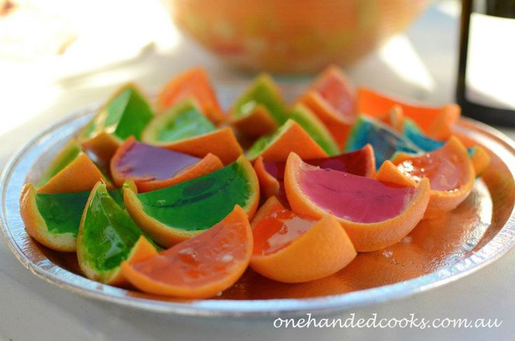 kids party food: jelly oranges #onehandedcooks #jelly #oranges #partyfood
