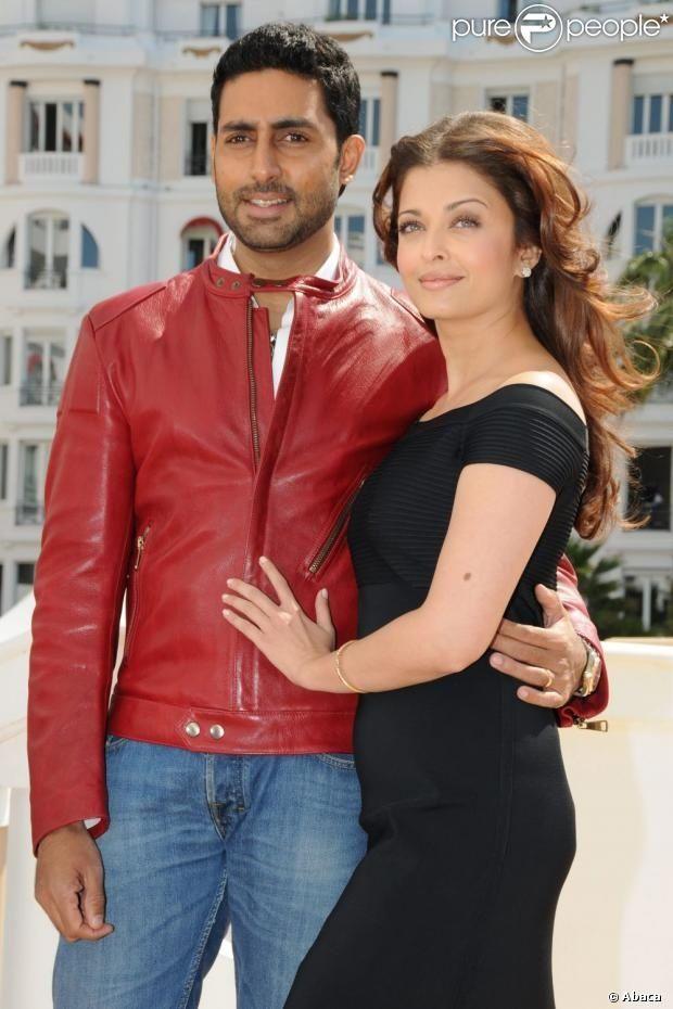 Aishwarya Rai Et Son Mari Abhishek Bachchan Lors Du Photocall Du Film Raavan Au Abhishek Aishwa Indian Celebrities Aishwarya Rai Aishwarya Rai Bachchan