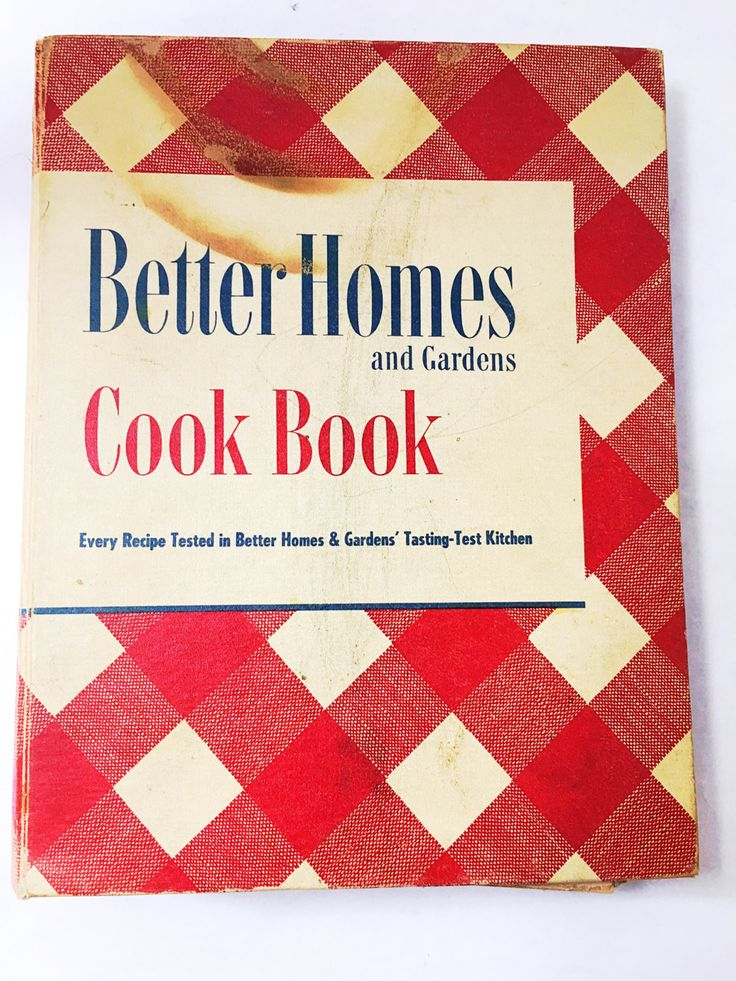 Better Homes and Gardens Cookbook by Better Homes and Gardens . 1950 Edition Cook Book. Hardback 3 ring binder.