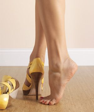 That's a pretty shoe...and leg
