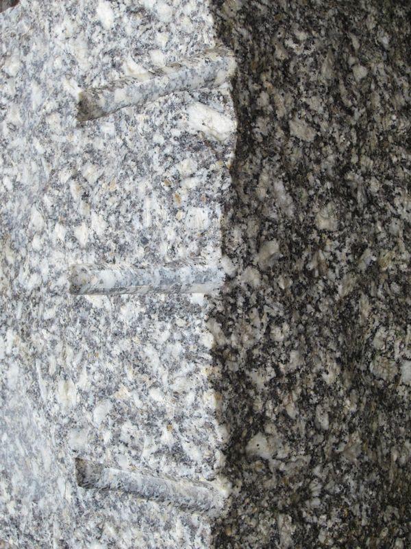 Tittling Coarse-Grain Granite