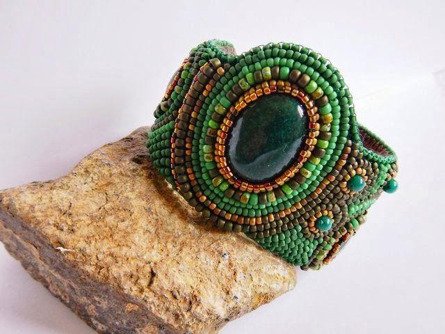 Cuff bracalet with green jade