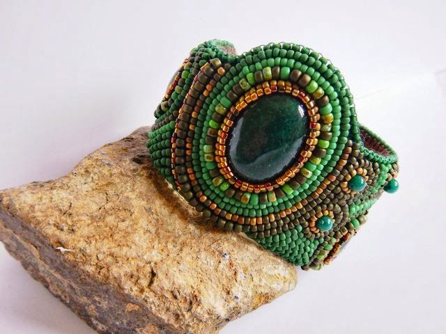 Cuff bracalet with green jade