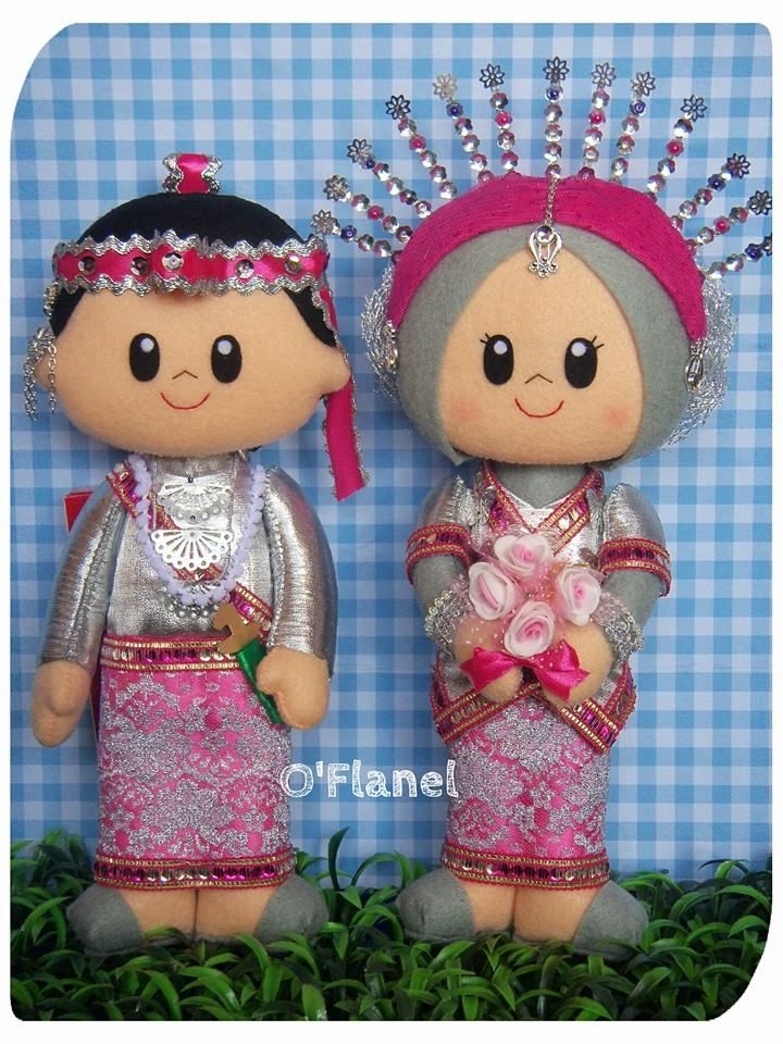 Bride Groom felt doll in indonesia traditional wedding costumes