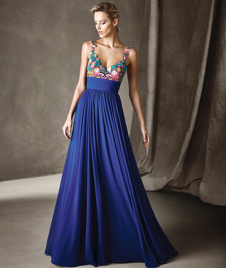 Flaunt your beautiful curves while still looking classy & elegant! Here are the hottest styles in designer cocktail dresses for quinceanera madrinas. - See more at: http://www.quinceanera.com/dresses/designer-cocktail-dresses-for-quinceanera-madrinas/#sthash.Ly2Vjx2V.dpuf