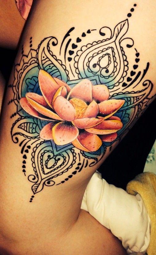 Tatuagem de Flor de Lótus - Realista na Perna