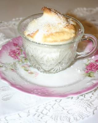 Lemon Souffle Teacup Desserts: Lemon Zest, Lemon Souffle, Desserts Delight, Cakes Plates, Creative Desserts, Lemon Heavens, Teacups Desserts, Creative Cakes, Souffle Teacups