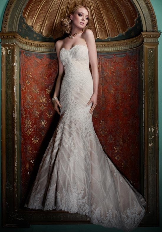 holy cow, GORGEOUS. Designer: Matthew Christopher; Sofia