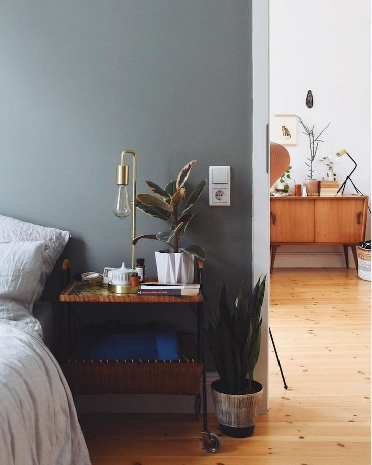 my scandinavian home: A Relaxed Cologne Home with Mid-Century Vibes. Photo - Antonia Schmidt.
