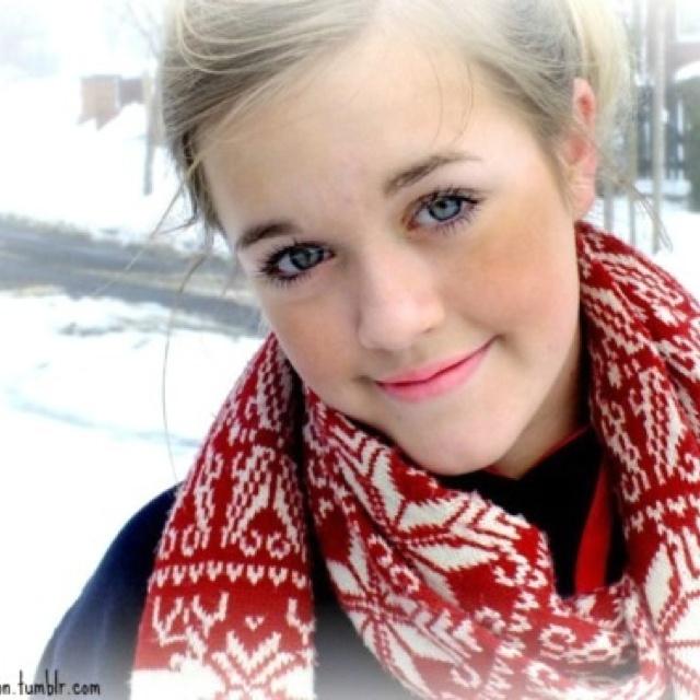 Charlotte (Lotti) Tomlinson Louis' little sister ...