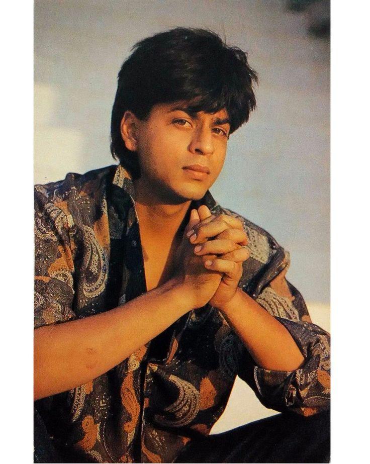 Omg he's looking super cuteeee in 2019 Shahrukh khan