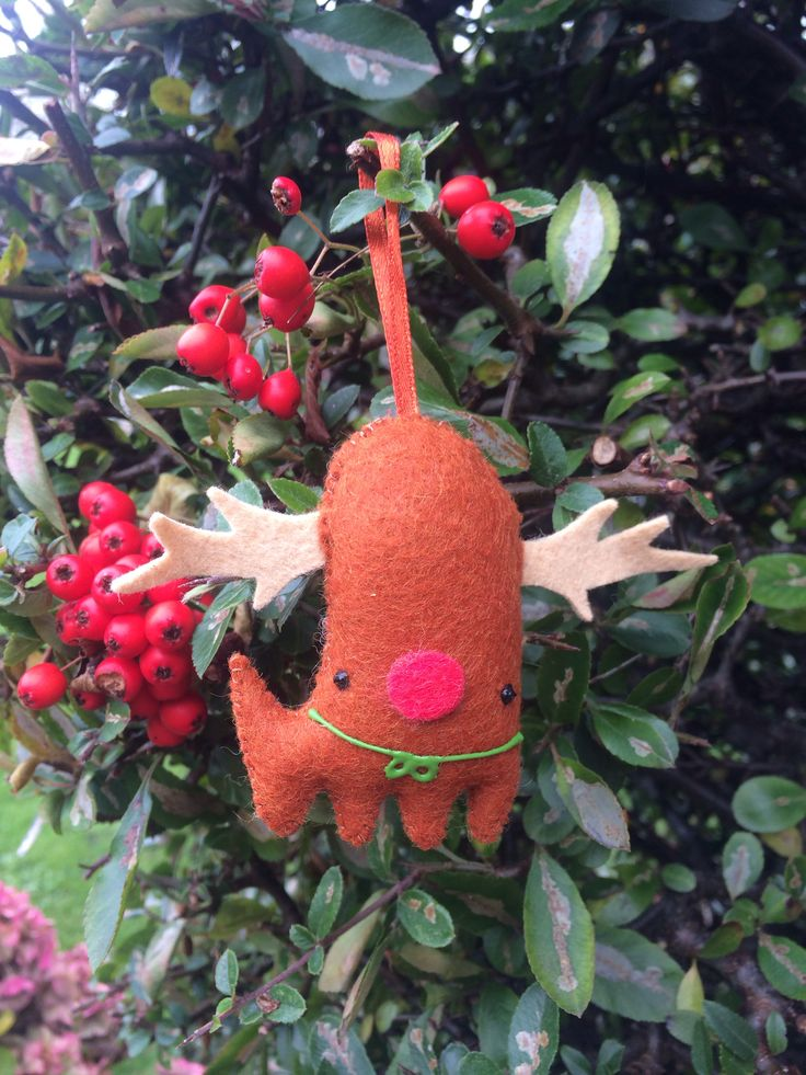 Hand sewn, plush Raindeer decorations. Only 5 left! Clove scented (unless requested not to be).  Why don't you hang one on your tree?  http://tayloredcuriosities.bigcartel.com/product/christmas-decorations