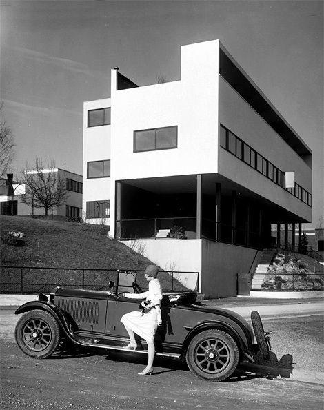 1927 Stuttgart - Weißenhofsiedlung, Rathenaustraße 1–3, Architekt: Le Corbusier und Pierre Jeanneret (heute Weissenhofmuseum und UNESCO-Welterbe).