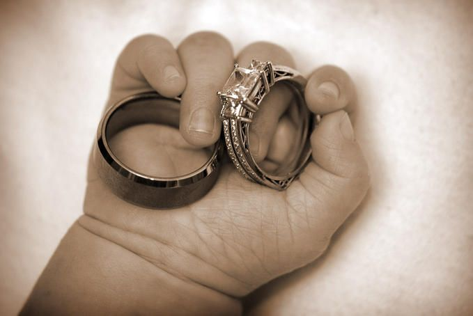 I really want to do this with Baby Grace! (especially since I have the rings on Jake's feet from his newborn shoot)