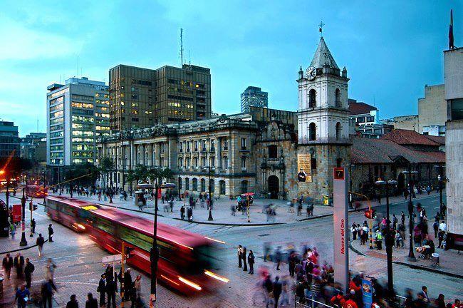 Avenida Jiménez con Cra. 7a, Bogotá D.C. Colombia.