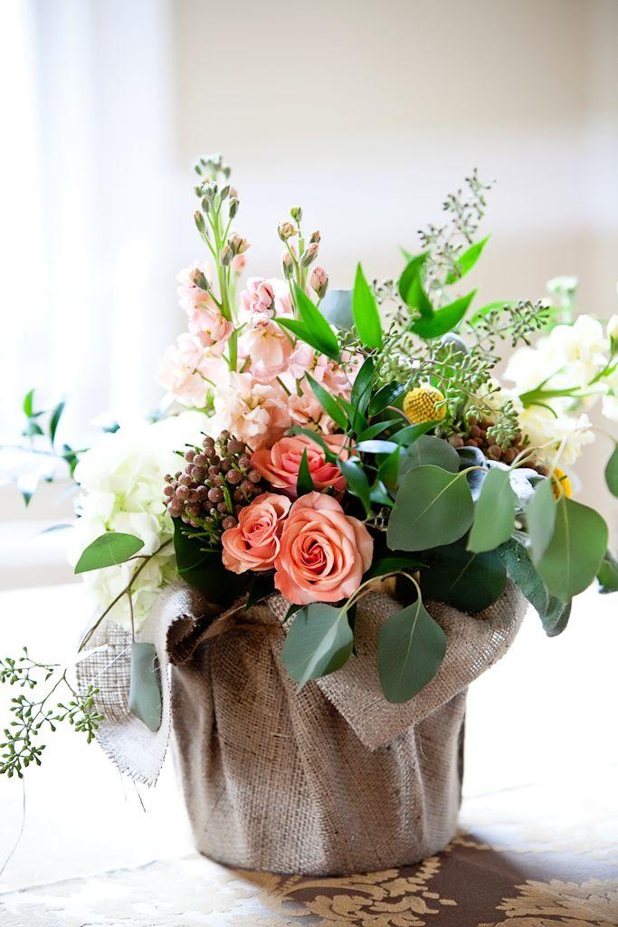 flowers in burlap: Floral Centerpieces, Flower Arrangements Summer, Floral Bloom, Spring Flower Arrangements, Summer Flower Centerpieces, House Pretty, Floral Arrangements, Burlap In Gardens, Burlap Tables Display