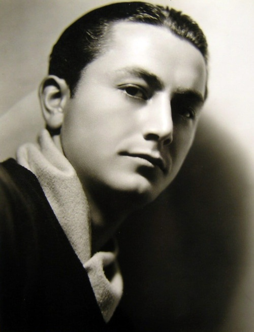 Robert Young, 1932,  father knows best