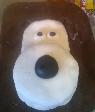 Made using our circular 6 inch circlular cake tins