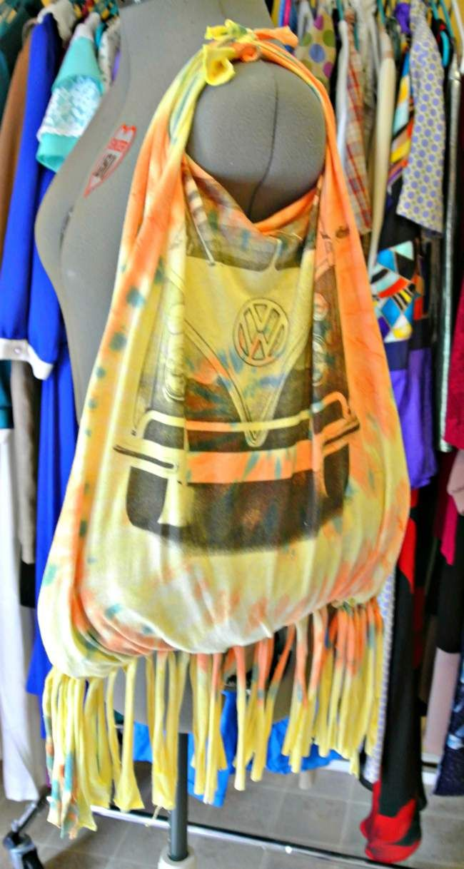 How To Make Your Own No-Sew Tote Bag From An Old T-Shirt