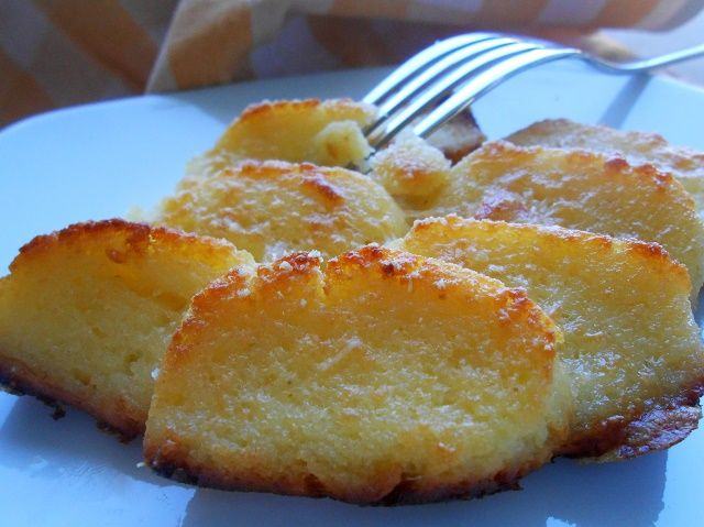 """Buongiorno Bakers ♥ Lo sappiamo, voi direte """"Ma non era giovedì gnocchi?!?!?"""" E noi vi diciamo ma perché mangiarli solo il giovedì?!?!?! Ahahahahaha Gli gnocchi alla romana sono semplicemente goduriosi…non ci sono altri termini per definirli!!! E quindi, fosse per noi, li mangeremmo tutti i giorni, magari di giovedì, per onorare la tradizione, potremmo mangiarne una porzione doppia 😉 Sono…"""