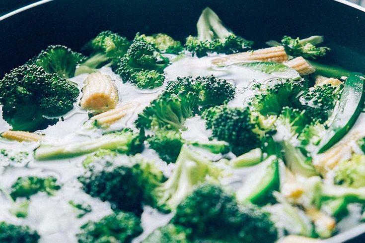 Brokkoli zubereiten ist keine Problem - Wir zeigen euch alles übers Kochen, Dünsten, Braten, Blanchieren, Dämpfen, Garen und Würzen von Brokkoli.