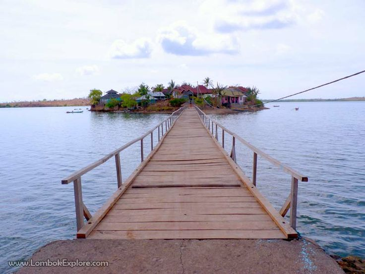 Gili Ujung Betok. A beautiful gili in East Lombok, Indonesia. For more information, please visit www.LombokExplore.com.